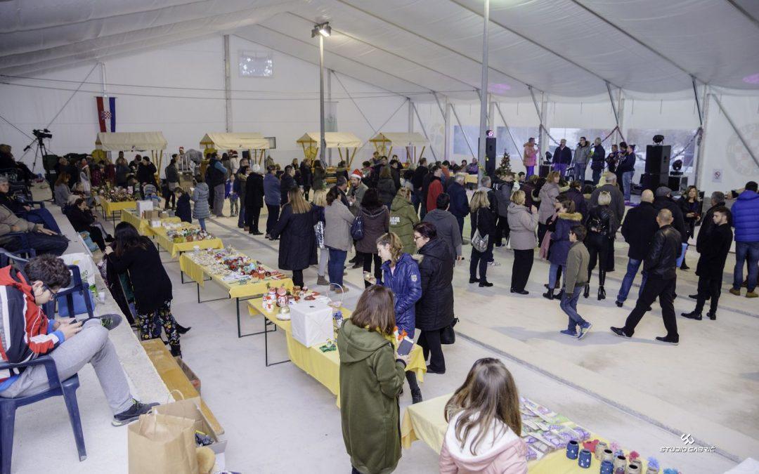 Humanitarni sajam Brač za Božić uz Pupoljke