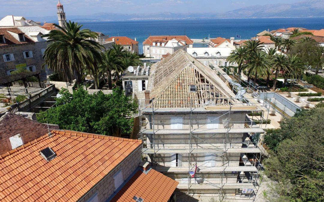 Počela obnova krova zgrade škole