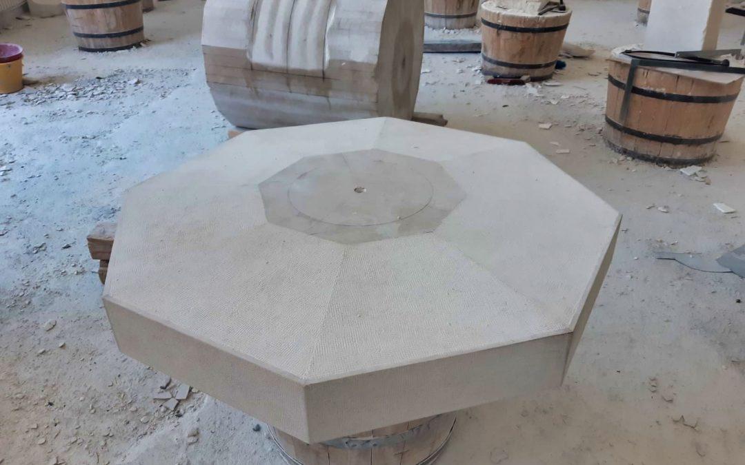 Učenička zadruga Kapitel Klesarske škole u Pučišćima izrađuje spomenik boćanju za Sutivan